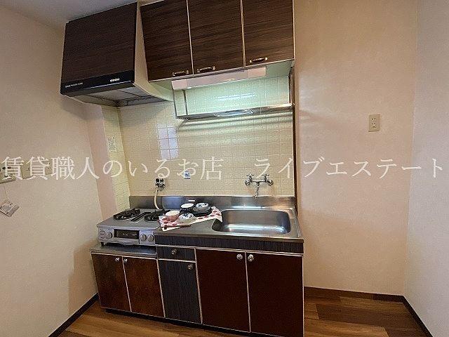 カウンターキッチンに比べてスペースを有効に使えます