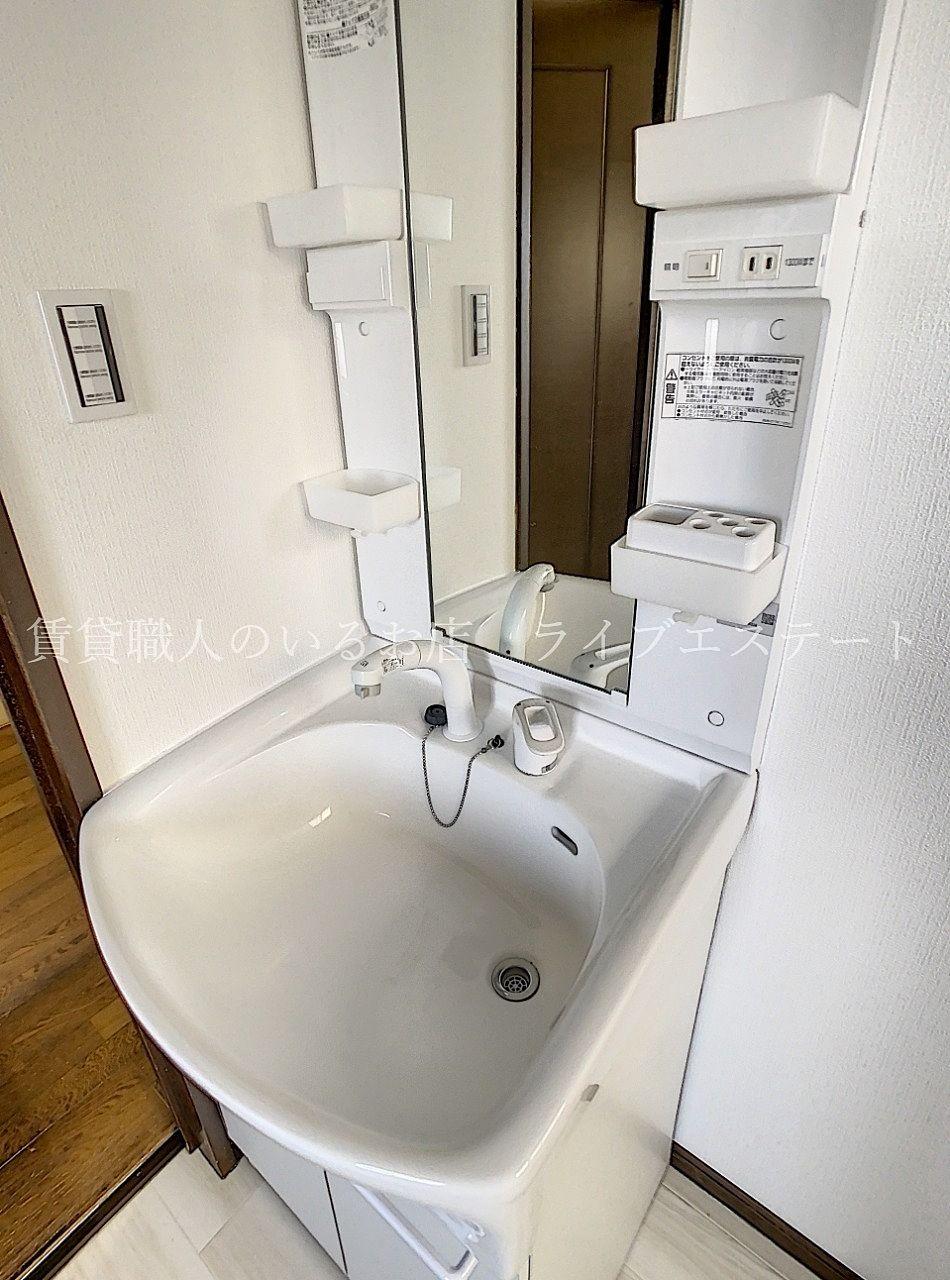 玄関から洗面所に直行できる間取りなので帰宅後の手洗いがすぐにできます