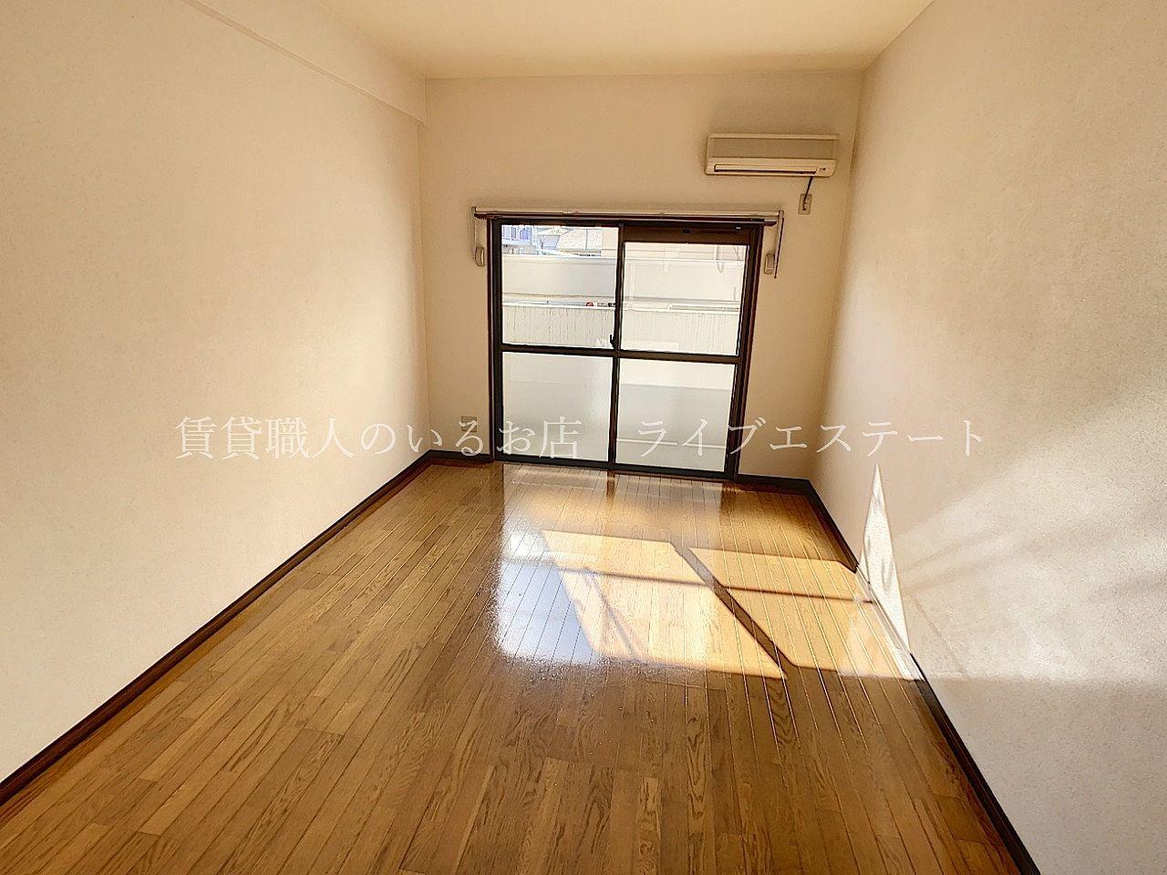 フローリングのきれいなお部屋です