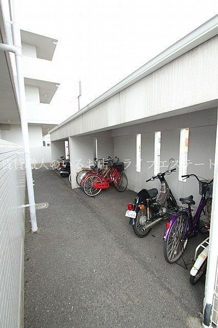 大事な自転車を雨や風から守ります