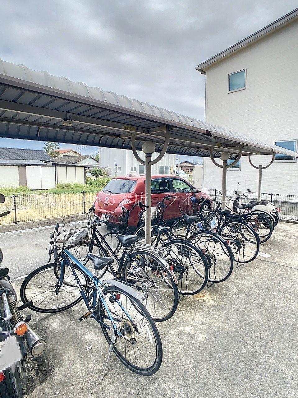 大切な自転車を雨や風から守ります