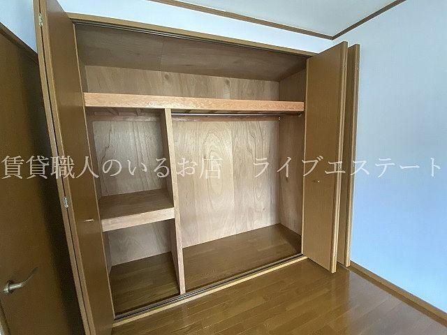 1階の和室には押し入れがあり、どのお部屋もすっきり使えます