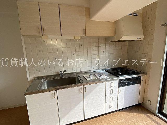 壁付のキッチンはお部屋を広く使えます