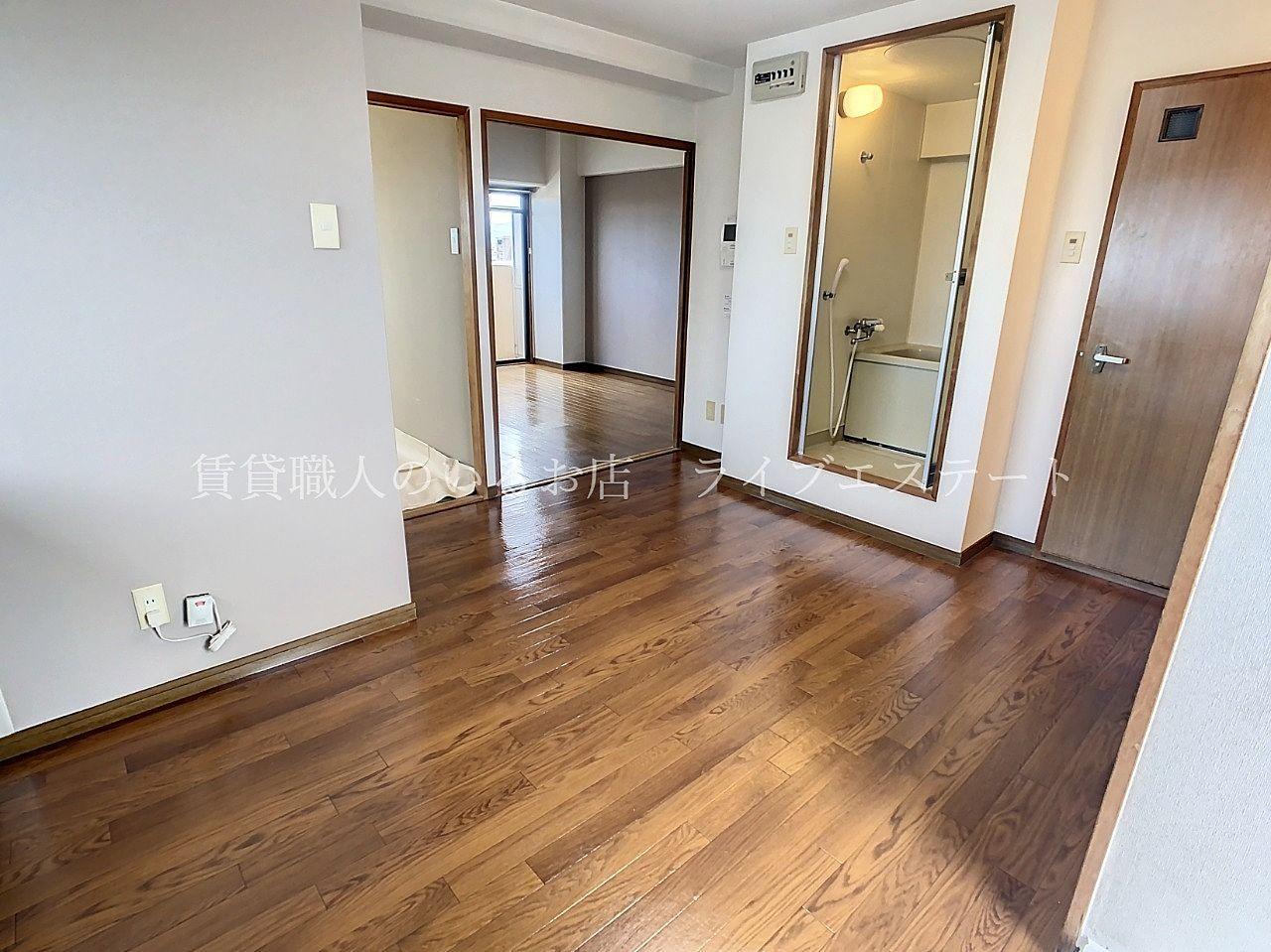 廊下がない間取りなので家じゅうを動き回らなくてもよく、家事がここでほとんど完了しますね